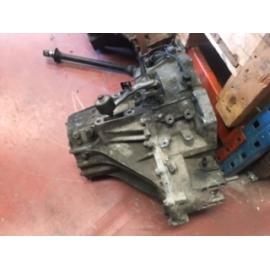 Caja de cambios Kia Carnival 2.9 tdi motor J3